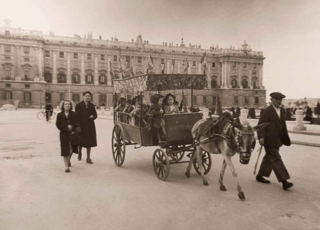 La foto de la semana: El cochecito de campanillas (1945)