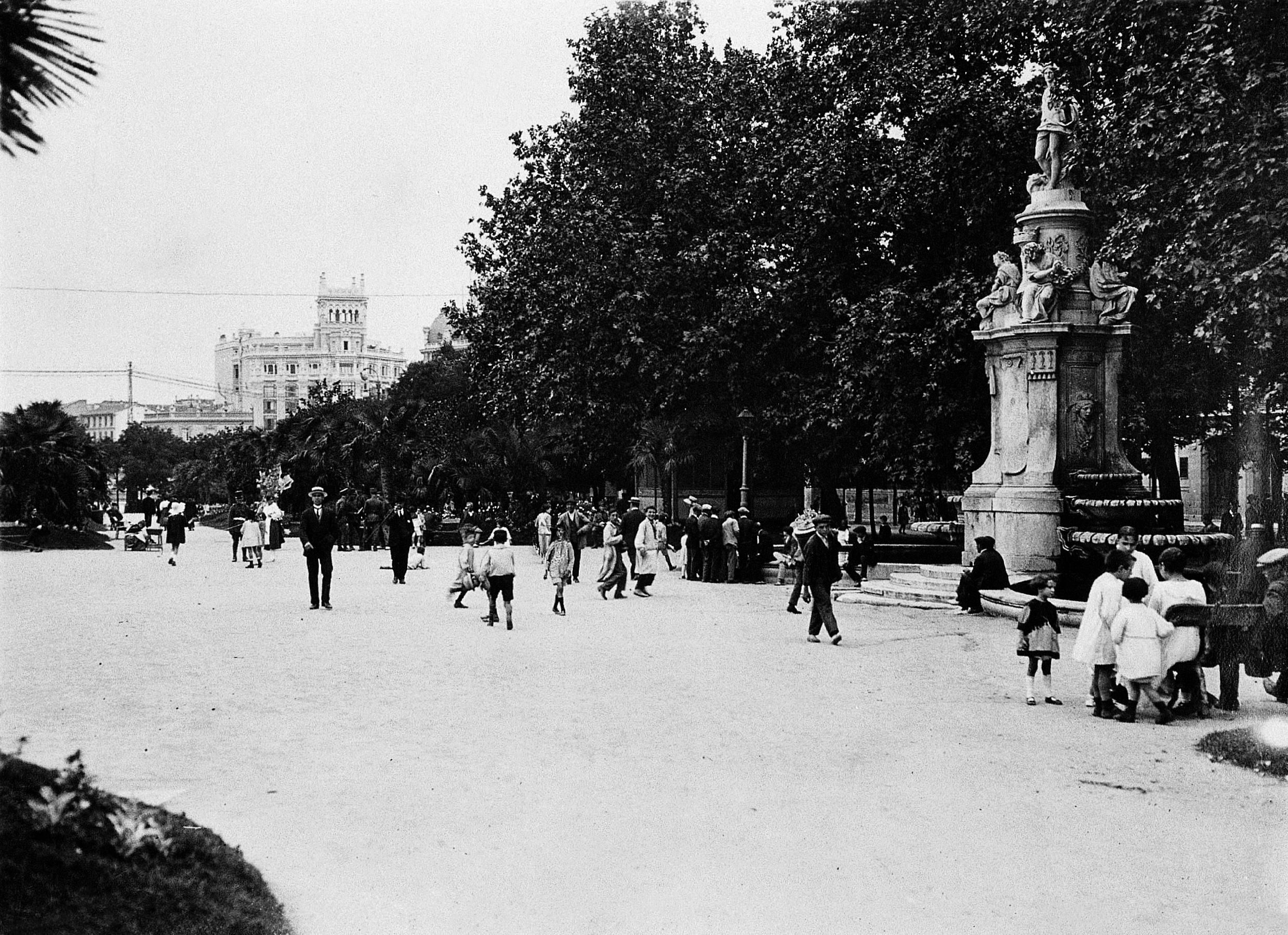 Foto de la semana: Paseo del Prado (años 30)