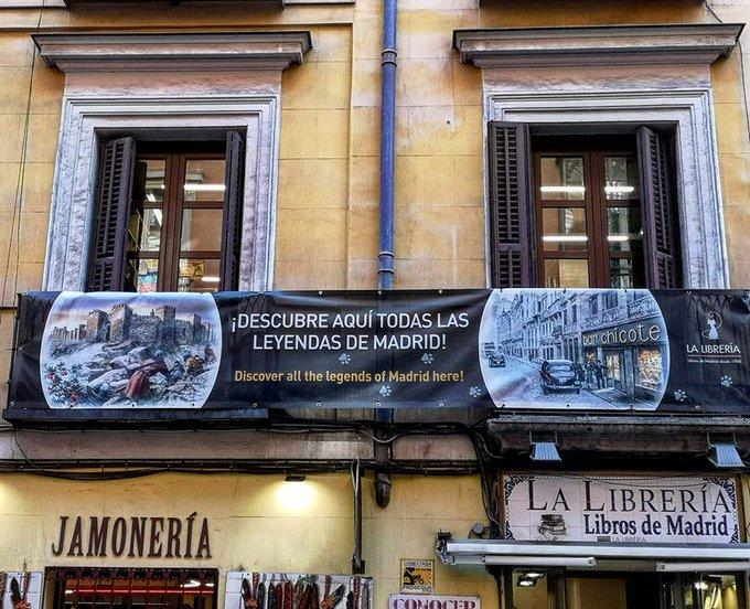 ¡Tenemos lona histórica en la fachada de La Librería!