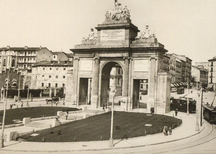 La foto de la semana: Puerta de Toledo (1934)