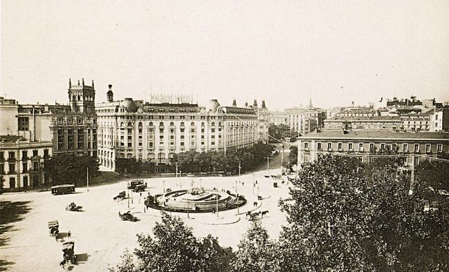 La foto de la semana: Plaza Cánovas del Castillo, años 30